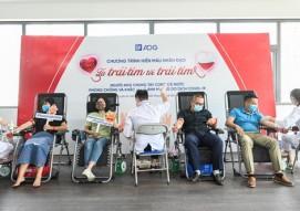 CBNV Austdoor tham gia hiến máu